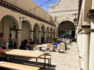 HanaHaus' Courtyard Jason Lopata/The Stanford Daily