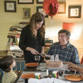 "Kathryn Hahn and Steve Coogan in ""Happyish."" (Courtesy of Mark Schafer, Showtime)"