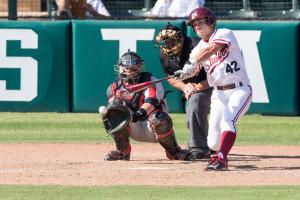 Senior Luke Pappas currently boasts the highest batting average on the team, coupled with above a 4.0 GPA. (BOB DREBIN/stanfordphoto.com)