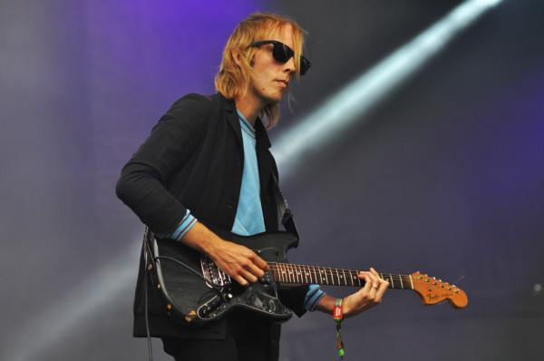Brad Bowers on guitar. RAHIM ULLAH/The Stanford Daily