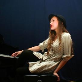 Indie-folk songstress Joanna Newsom. (Courtesy of Daniel Arnold)