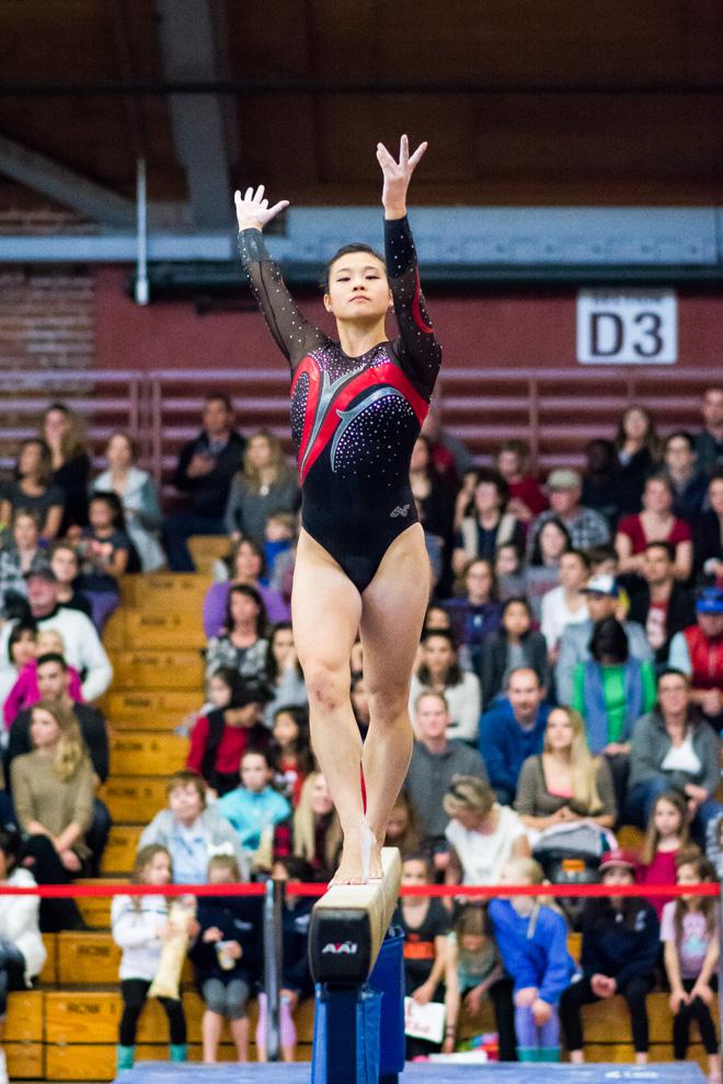 Women's gymnastics falls to Utah on Senior Day - The
