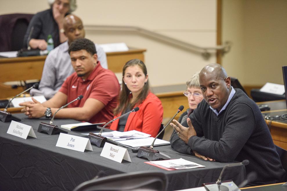 Faculty Senate talks student-athlete life, emergency