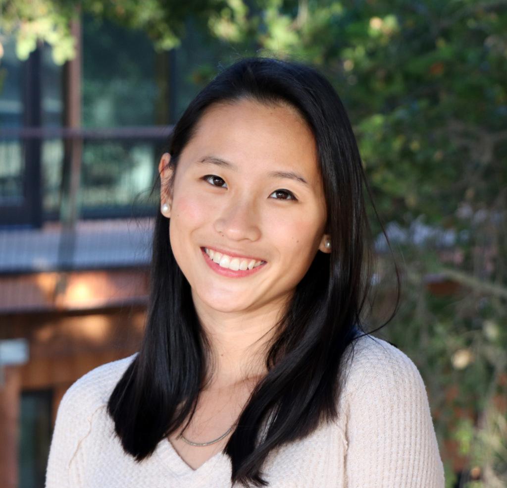 headshot of Christina Li